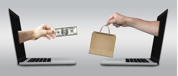 Ilustrasi Pembelian melalui platfom Online Shopping