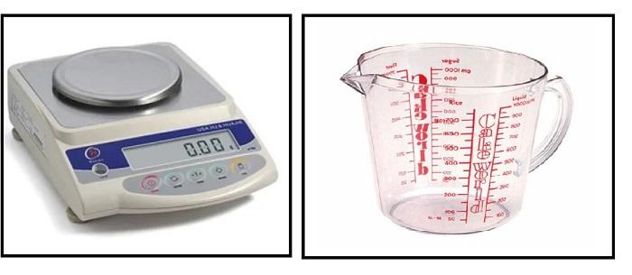neraca dan gelas ukur mengukur massa jenis